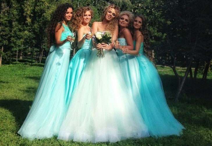 Какое платье выбрать подружке невесты e76c184dc2ee1
